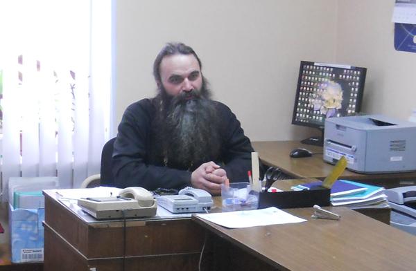 Встреча подростков с иереем Владиславом Митрофановым в Старорусском филиале УИИ